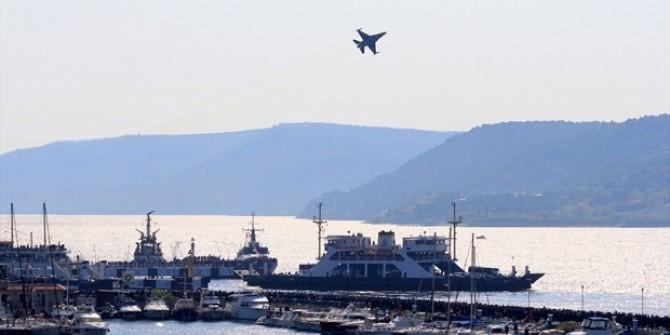 SOLOTÜRK'ÜN ''23 NİSAN'' GÖSTERİSİ NEFES KESTİ