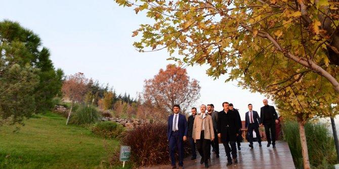 Başkan Erkoç Yaptığı Hizmetleri Bizzat Gösterdi