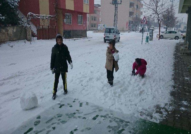 İlçelerde bugün de kar nedeniyle tatil!