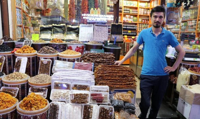 Kahramanmaraş'ta çarşı-pazar ramazan öncesi durgun