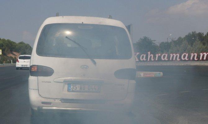 Kahramanmaraş'ta Egzoz dumanıyla trafiği alt üst etti