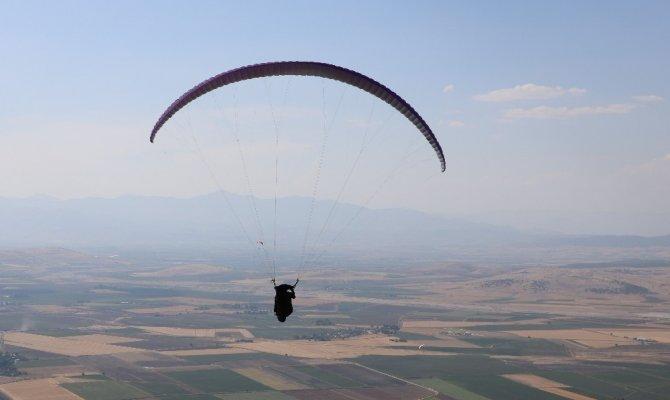 Kahramanmaraş Yamaç paraşütçülerinin vazgeçilmezi