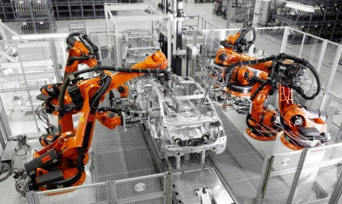 Alman otomobil üreticileri frene bastı
