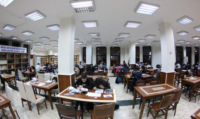 NFK Halk Kütüphanesi gece 03.00'e kadar hizmet veriyor