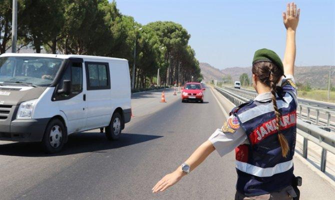 Kahramanmaraş'ta 673 kişi ile241 aracın sorgu ve araması yapıldı