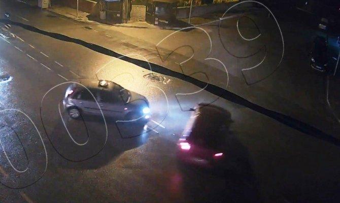 Drift yaparken şehir polis kameralarına yakalandılar