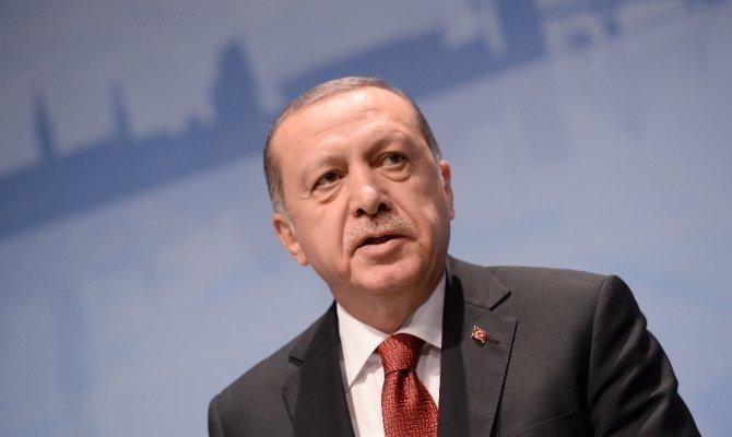 Cumhurbaşkanı Erdoğan dünya şampiyonu güreşçiyi kutladı