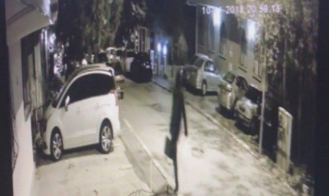 Hırsızlar ev sahibini demir su borusu ile dövdüler