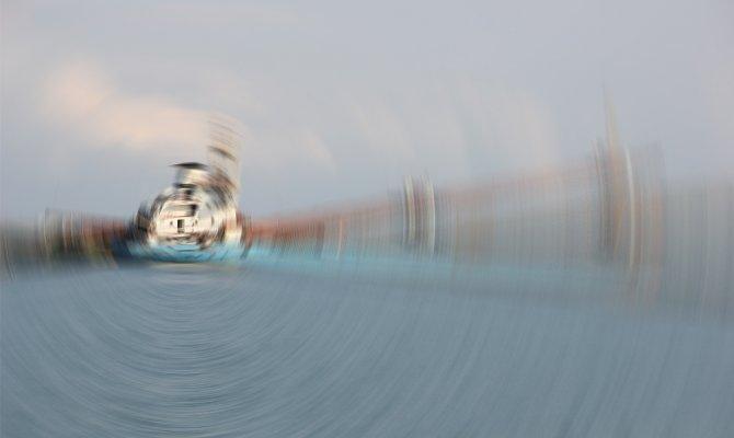 Yunanistan açıklarında Türk bandıralı kuru yük gemisi yandı