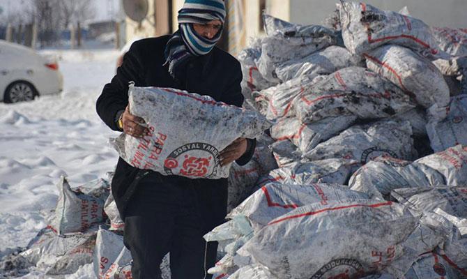 Afşin'de 4 bin ton kömür dağıtıldı