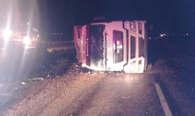 Göksun'da tırın altında kalan sürücü hayatını kaybetti