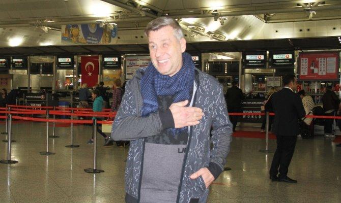 Ünlü sanatçı Metin Şentürk eski eşine 4.3 milyon lira ödeyecek
