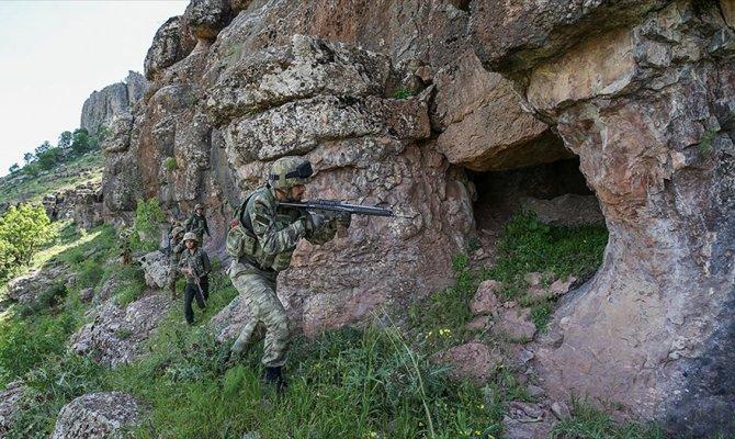 PKK'ya ait 194 sığınak imha edildi