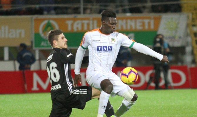Aytemiz Alanyaspor sahasında Beşiktaş ile 0-0 berabere kaldı