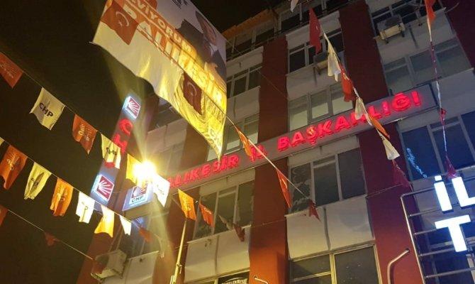 """CHP'de """"Kemal istifa"""" sloganları atıldı"""