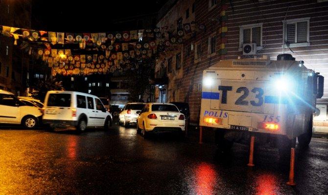 Diyarbakır'da HDP il binasına operasyon: 35 gözaltı