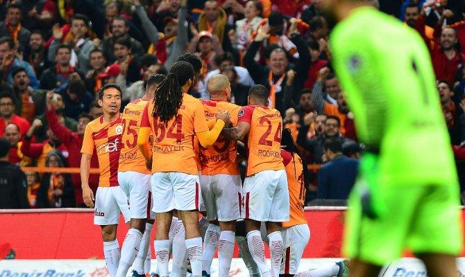 Galatasaray Medipol Başakşehir'i yenmek istiyor
