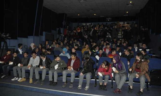 Kültür ve Turizm Bakanlığı öğrencileri beyaz perde ile tanıştırdı