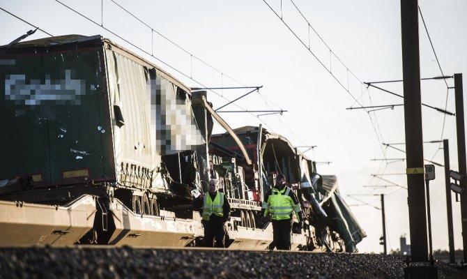 Tren kazasında 6 kişi hayatını kaybetti