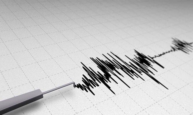 İran'da 5.9 şiddetinde deprem