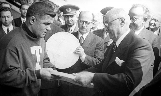 Türk güreşinin babası anıldı