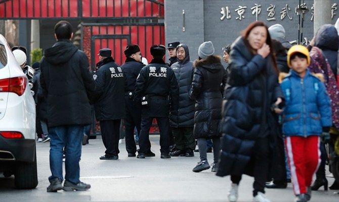Çin'de öğrencilere bıçaklı saldırı
