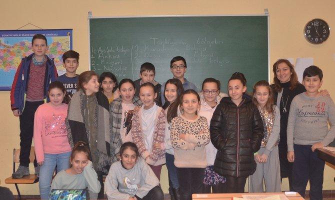 Türk kökenli yeni nesilleri Türkçe öğretiliyor