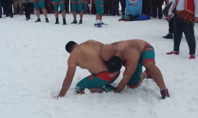 Kahramanmaraş Türkiye geleneksel kızak şampiyonasına sahne oldu