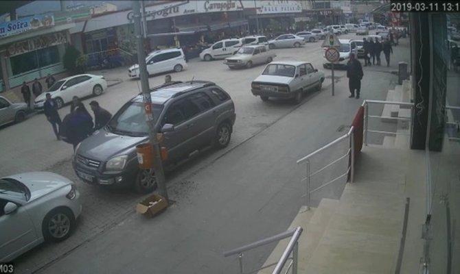 Karısının iş yeri önünde kendini yakmaya çalıştı