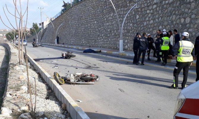 Polis gittiği kazada ölen gencin kendi oğlu olduğunu öğrendi