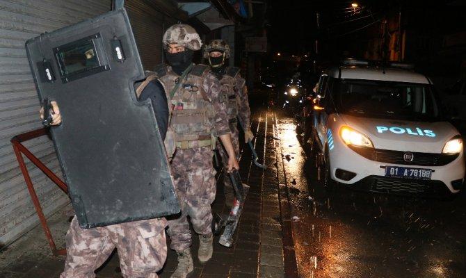 Adana'da sokak çetesine 250 polisle şafak operasyonu
