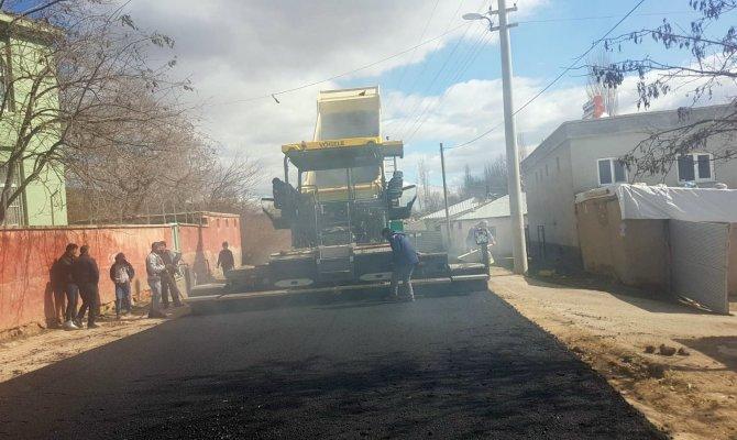 Havaların ısınması ile asfalt çalışması başladı