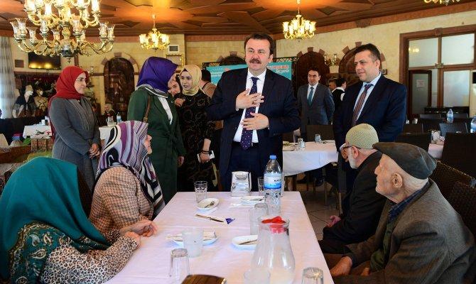 Başkan Erkoç Yaşlılarla Bir Araya Geldi