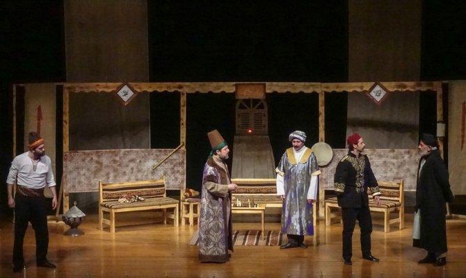 'Aşk.. Bir Zamanlar...' oyunu tiyatroseverlerle buluştu