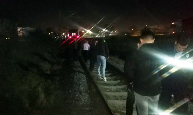 Yolcu treninin çarptığı şahıs hayatını kaybetti
