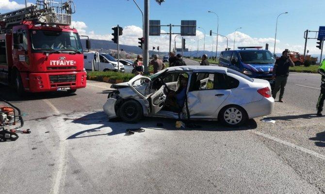 Kahramanmaraş'ta Ambulansla otomobil çarpıştı: 1'i bebek 9 yaralı