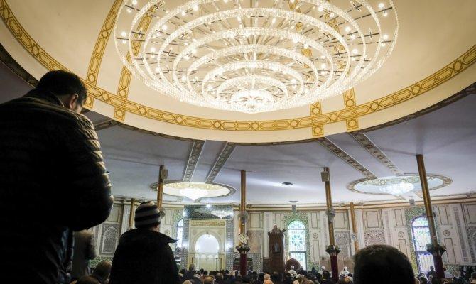 Belçika'da bazı camilerin banka hesapları bloke edildi