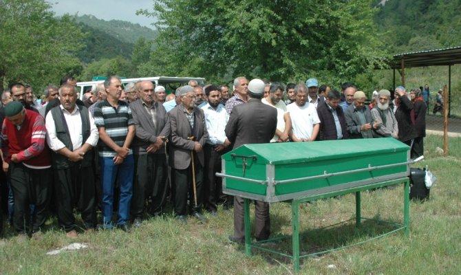 Eşinin baltayla öldürdüğü kadın Andırın'da toprağa verildi
