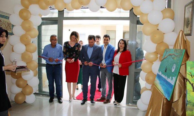 Gençlik Haftası Resim ve El Sanatları Sergisi Açılışı Yapıldı