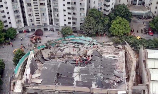 Çin'de çöken binada ölü sayısı 10'a yükseldi