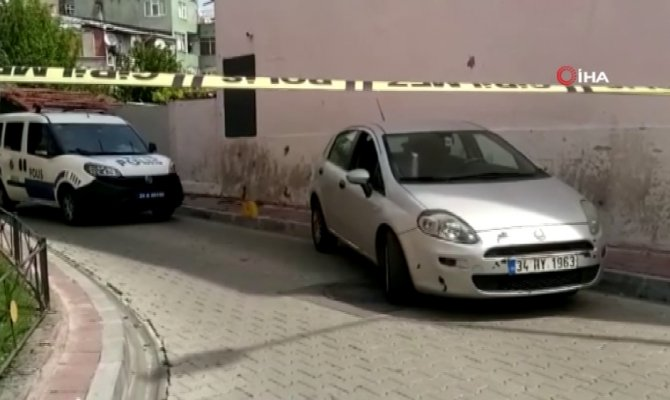İstanbul'da silahlı soygun: Araçtaki 4 kilo altını çaldılar