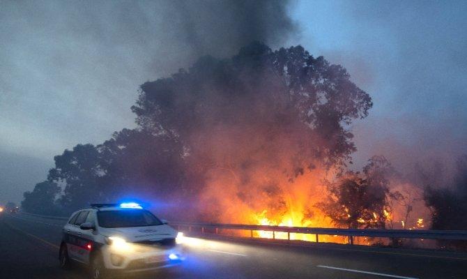 İsrail yanıyor: Yüzlerce kişi tahliye edildi