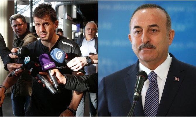 Çavuşoğlu Milli Takım Kaptanı Belözoğlu ile telefonda görüştü