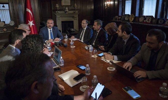 Bakan Gül ABD'de FETÖ elebaşının iade sürecini görüştü