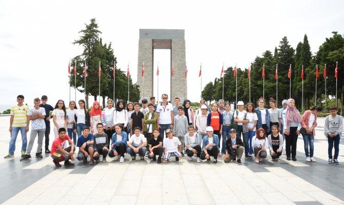 Öğrencilere Boğazda Istanbul'u Anlattı, Çanakkale Ruhunu Yerinde Yaşattı