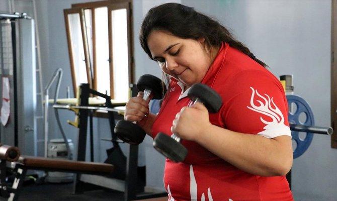 Milli sporcu Cemile Köse: Türklerin bileğinden herkes korksun