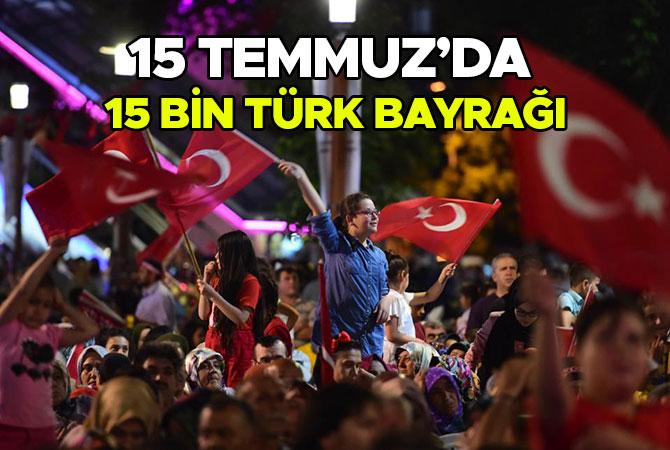 Dulkadiroğlu 15 Temmuz'da 15 Bin Türk Bayrağı Dağıttı