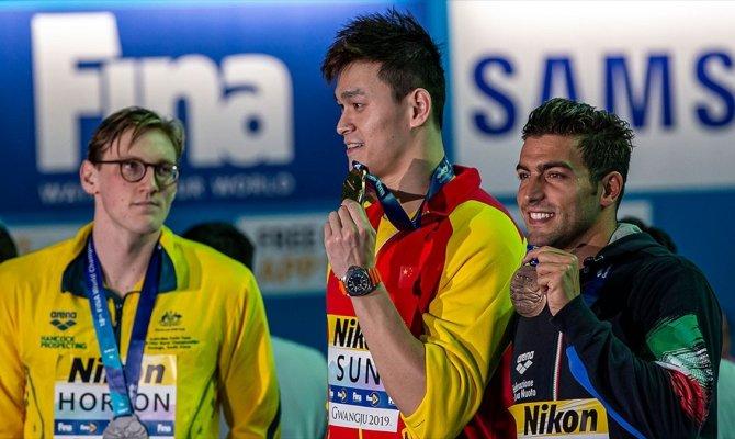 Avustralyalı ve Çinli sporcular arasında podyum tartışması