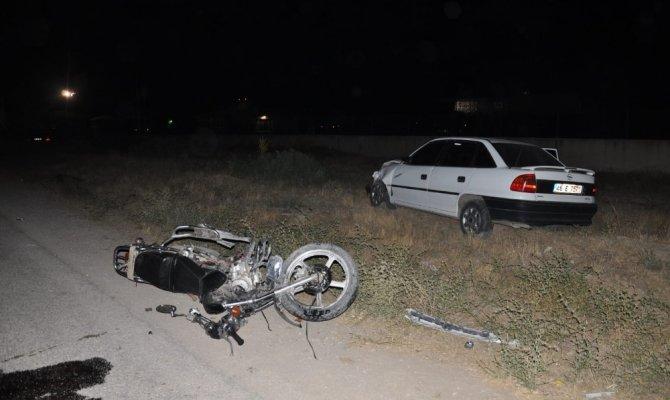 Kahramanmaraş'ta motosiklet ile otomobil çarpıştı: 1'i ağır 2 yaralı