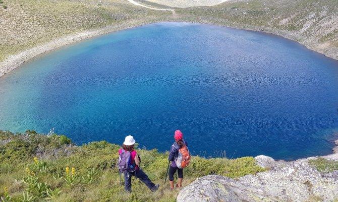 Uludağ'ın göl ve şelaleleri hayran bırakıyor